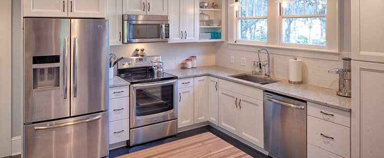 traditional L shaped kitchen